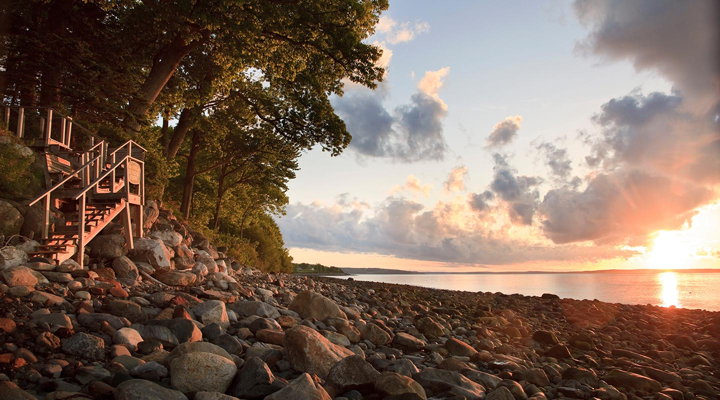 Maine romantic getaways - sunsets over the ocean