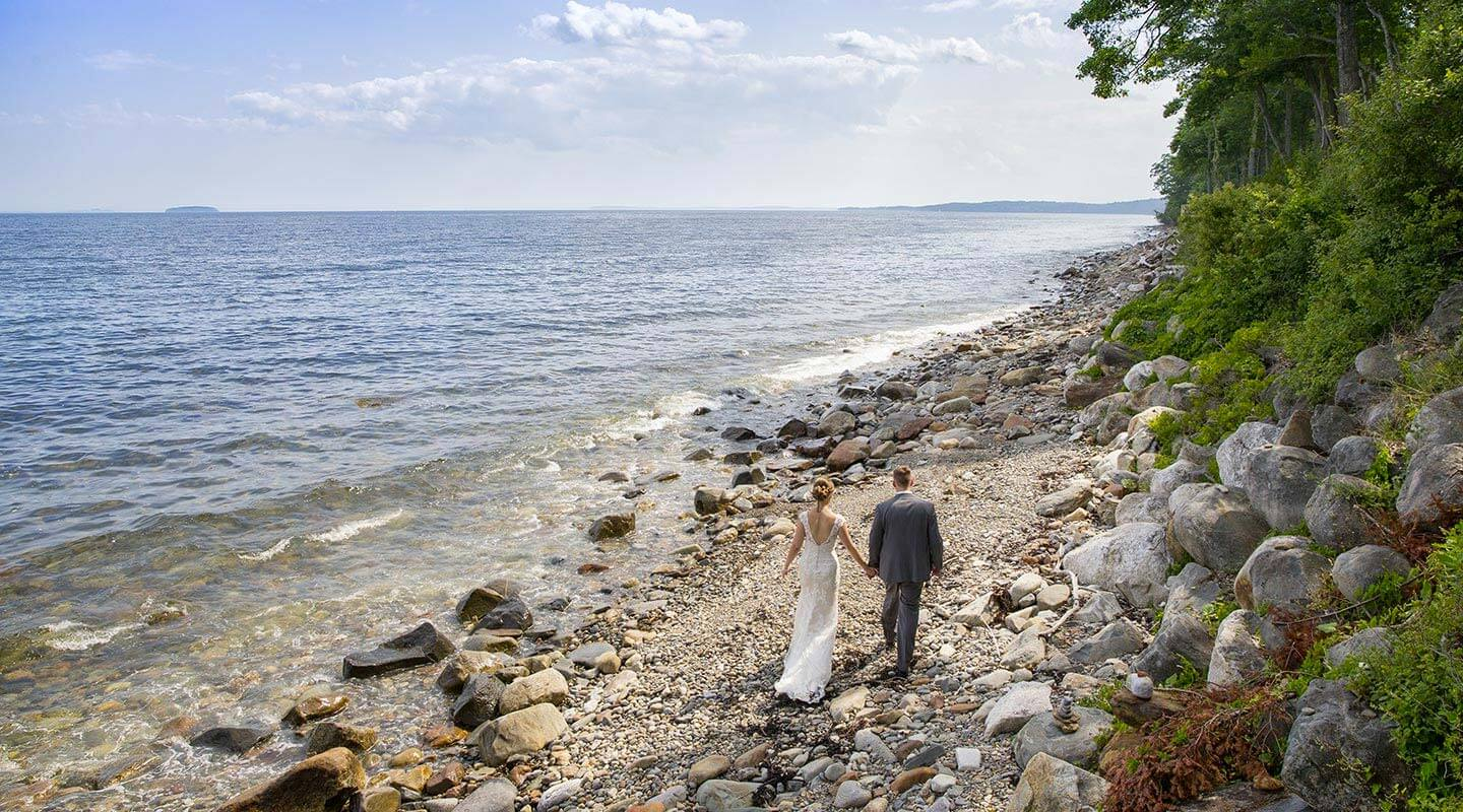 Elope in Camden Maine wedding by the ocean