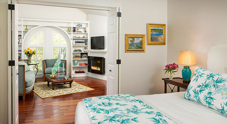 Romantic Rooms for Anniversary Getaways in Maine