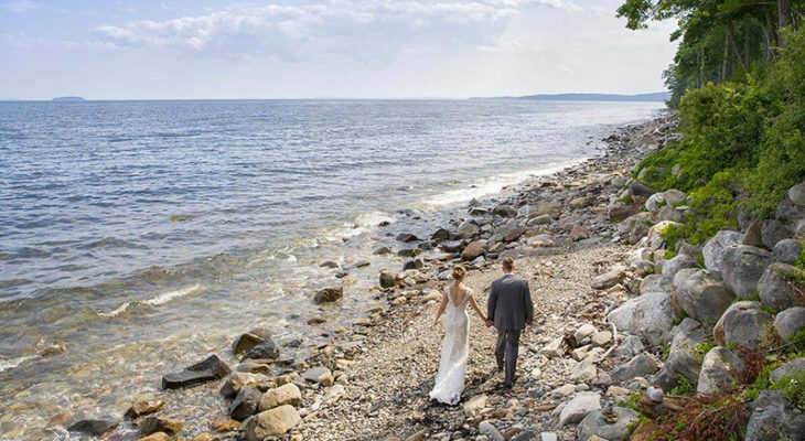 couple eloping at oceanfront venue in Camden, Maine